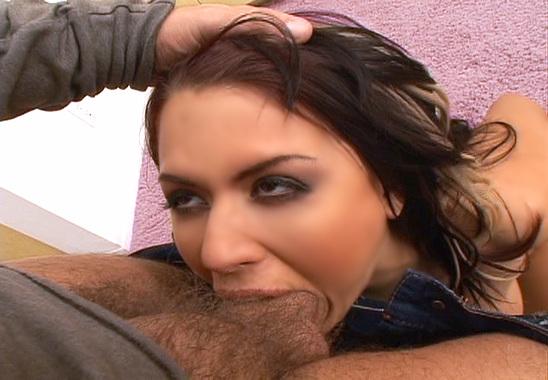 La sublime Eva baisée comme une vulgaire coquine !