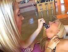 Deux lesbiennes se plombent la rondelle !