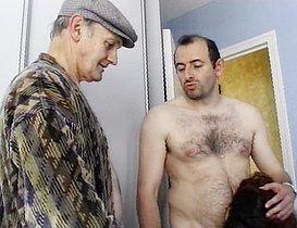 Papi baise sa femme de ménage !