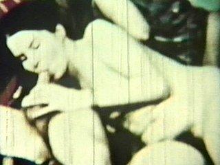 Les premiers habitants de la planète Terre filment leurs relations amoureuses…